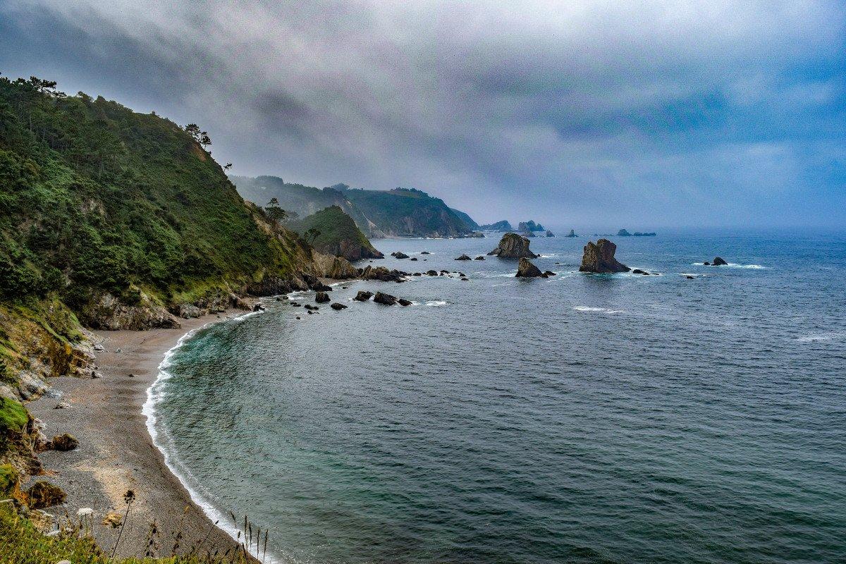 Paseo de medio día en velero por la costa asturiana de Luanco