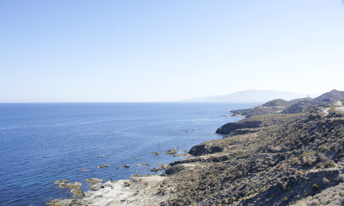 Día de navegación a vela por la costa almeriense