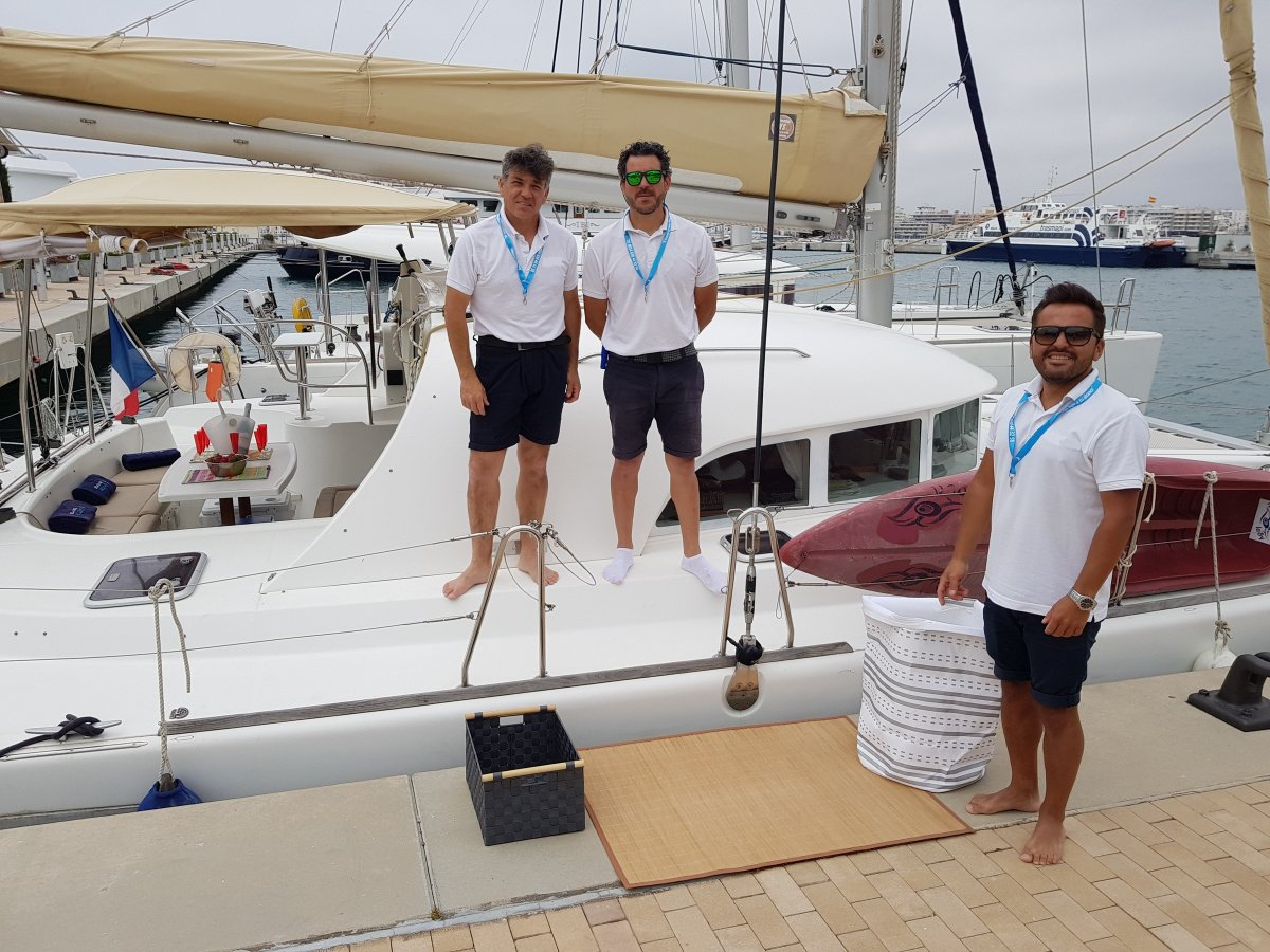 Día de navegación en Ibiza con todo incluido