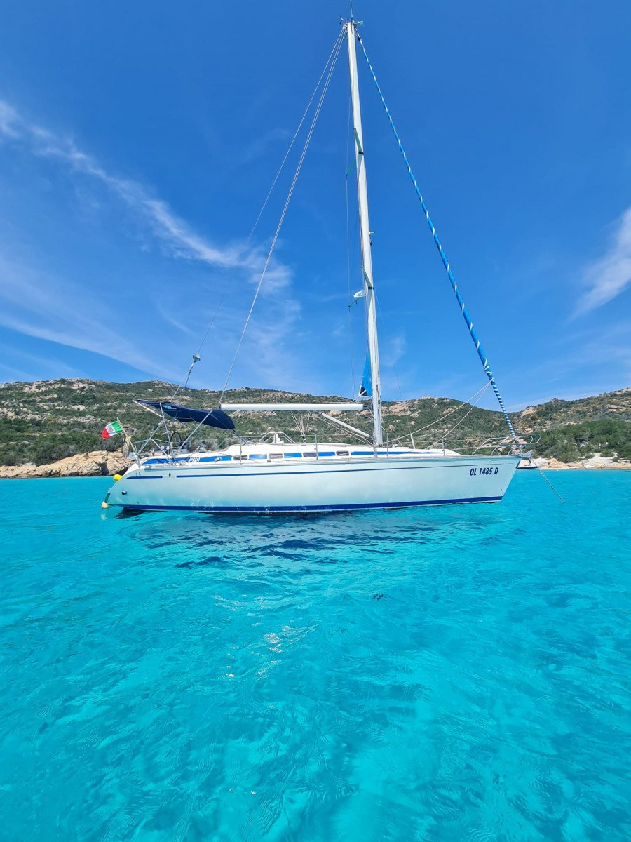 Giornata in barca a vela tra Corsica e Sardegna