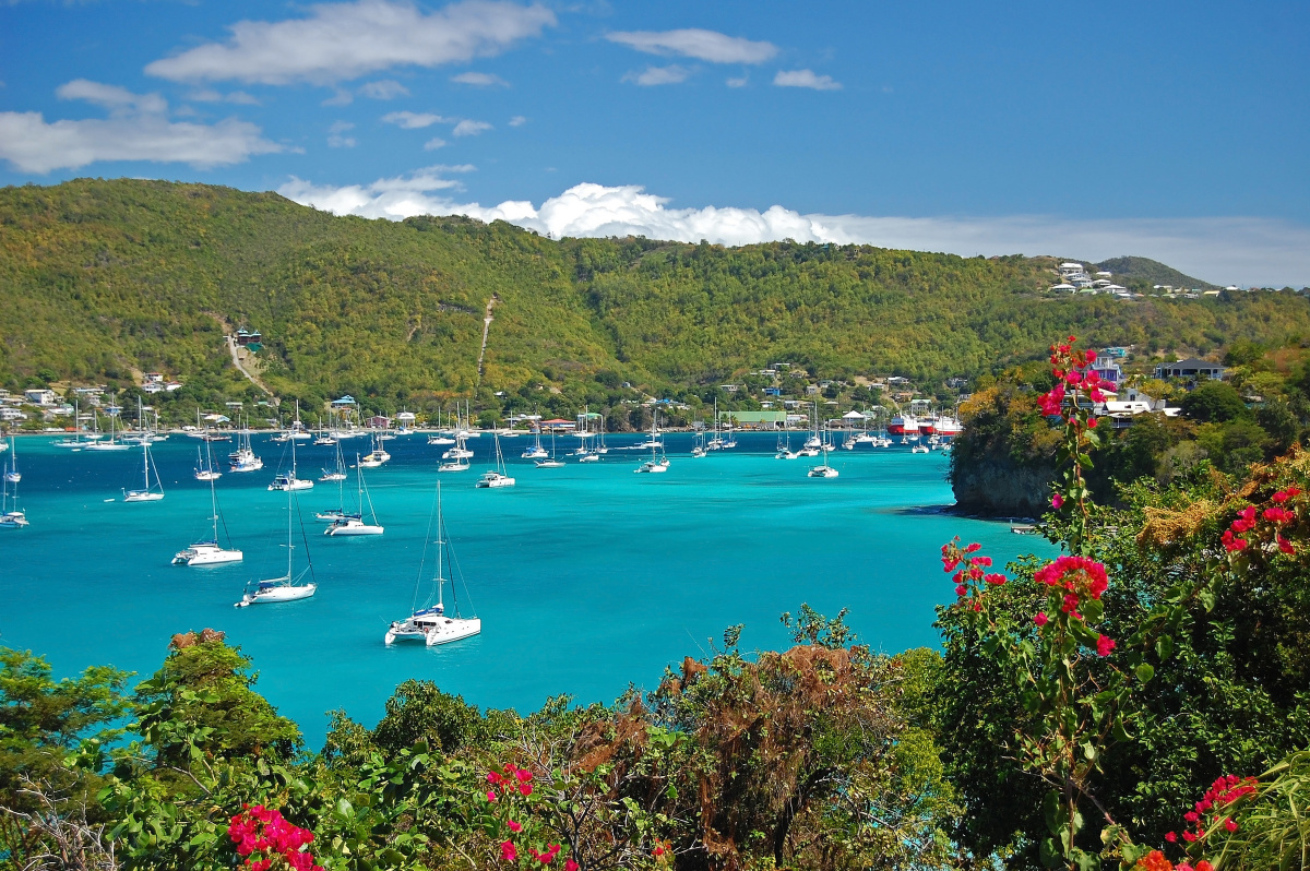 Navega en velero por el Caribe