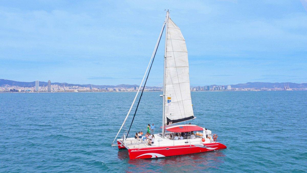 Paseo en catamarán por Barcelona