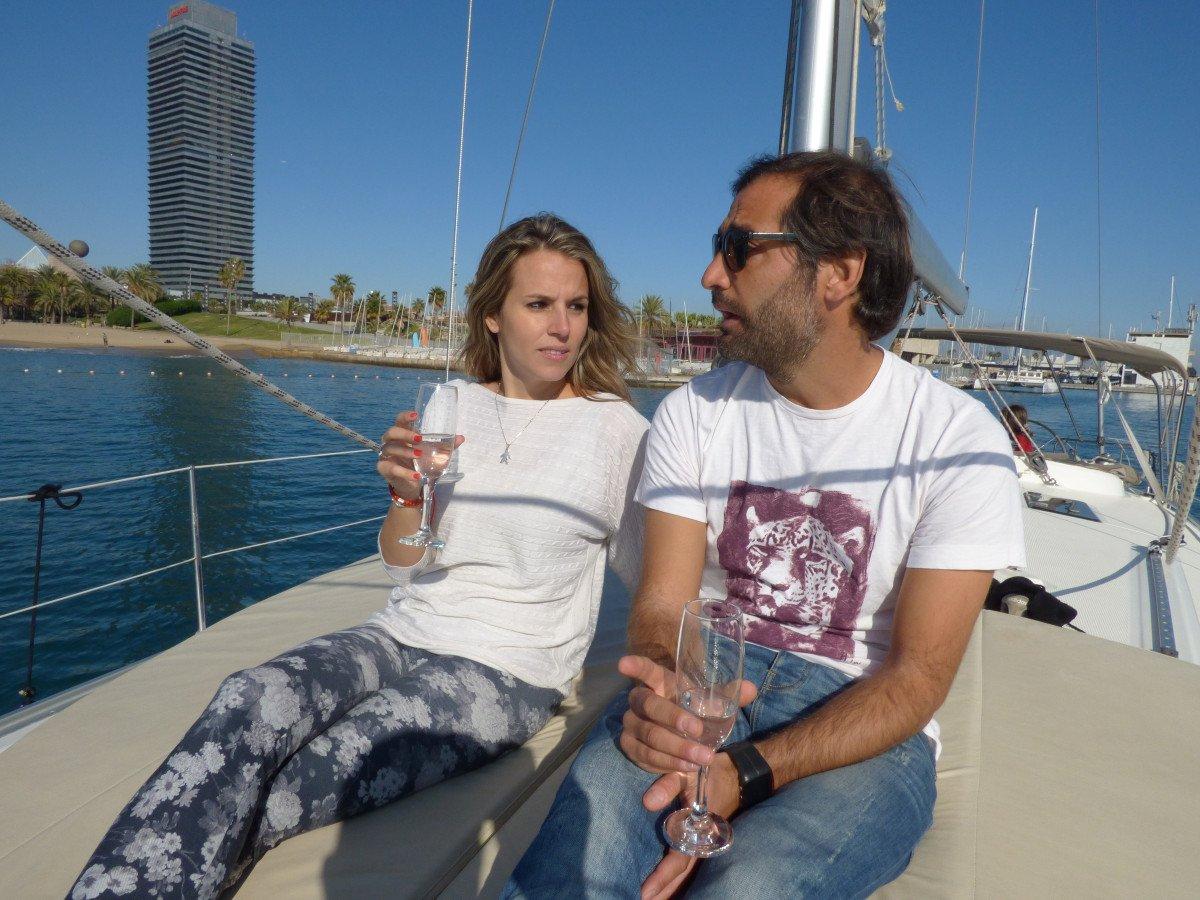 Puesta de sol en velero por Barcelona