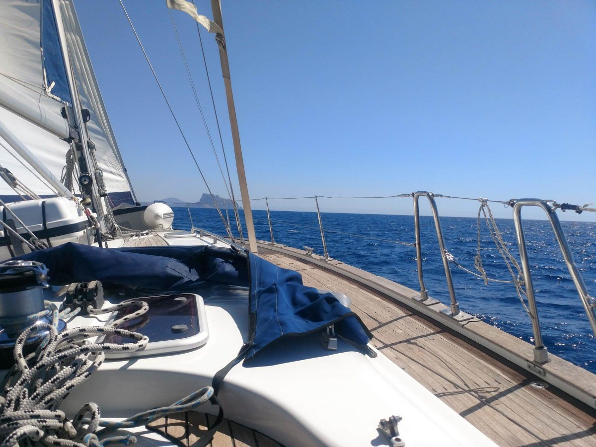 Navega durante un fin de semana por la costa levantina