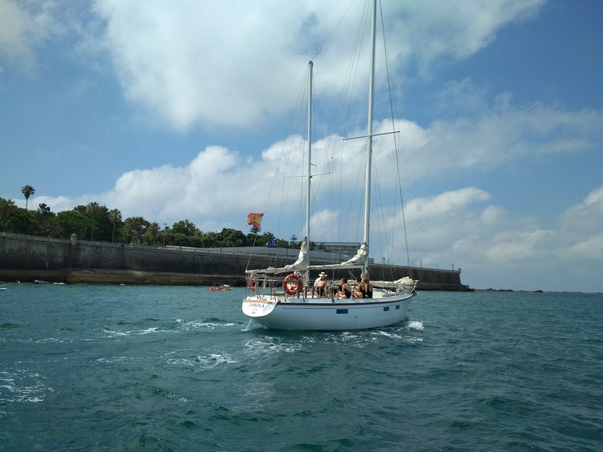Alquiler de velero en la bahía de Cádiz
