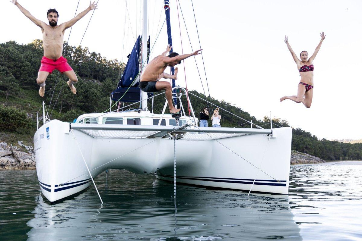 Islas de los Dioses: descubre Cíes en catamarán