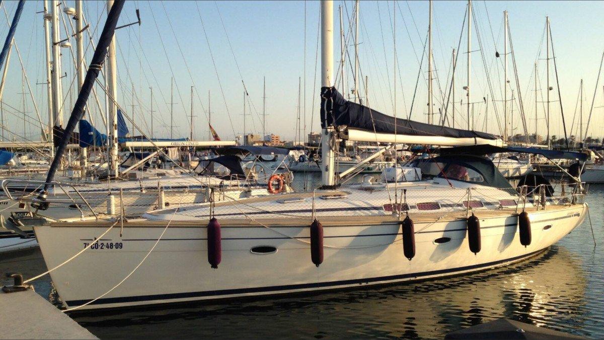 Excursión de un día en velero por la costa asturiana desde Luanco