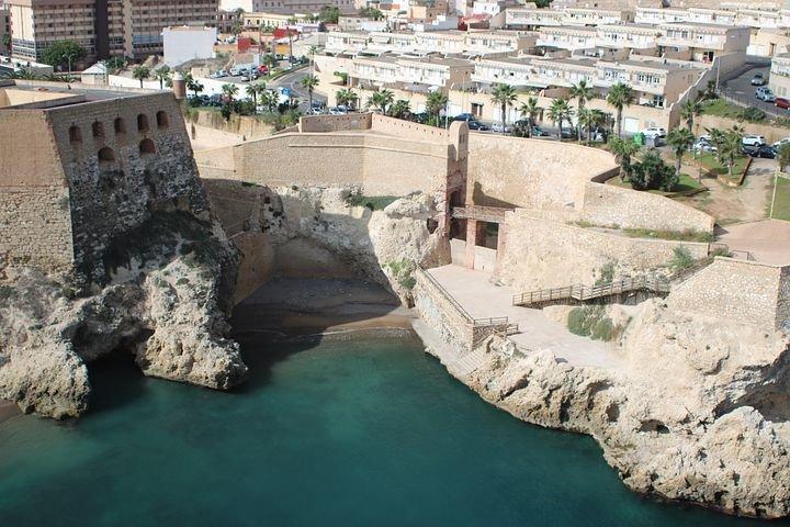 Navega en velero por el mediterráneo andaluz hasta las Islas Baleares