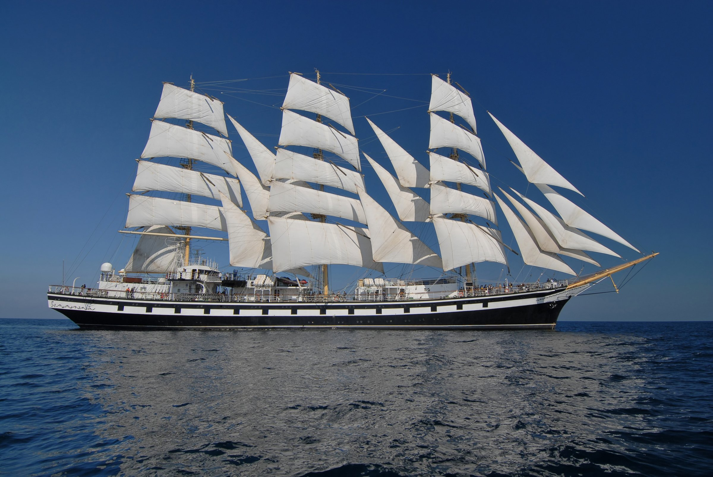 tall-ship-sailing