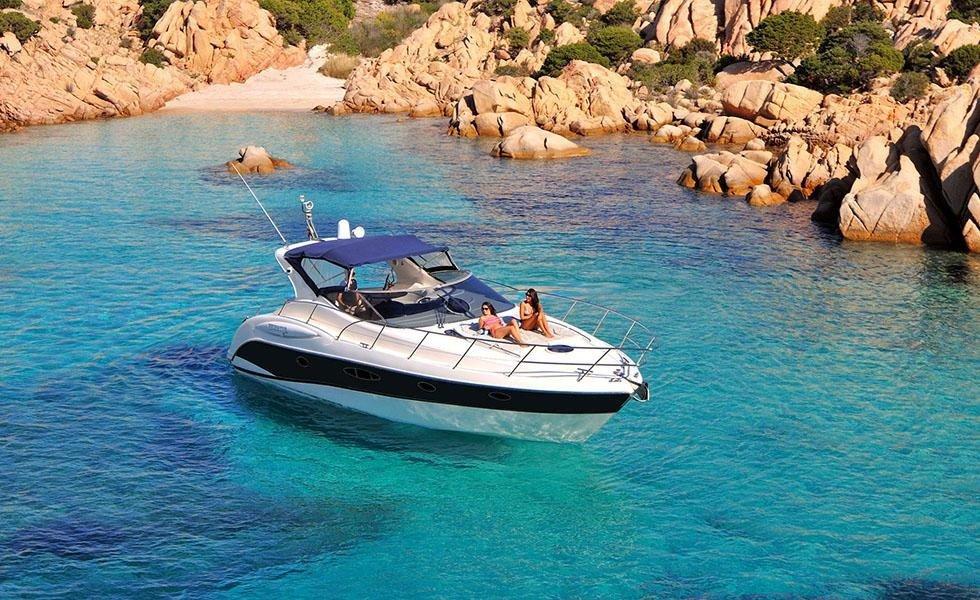 Luxury Motor Yacht charter from Algarve