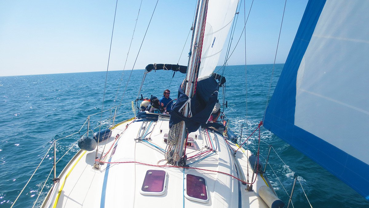 Curso en Barcelona para aprender a manejar velero