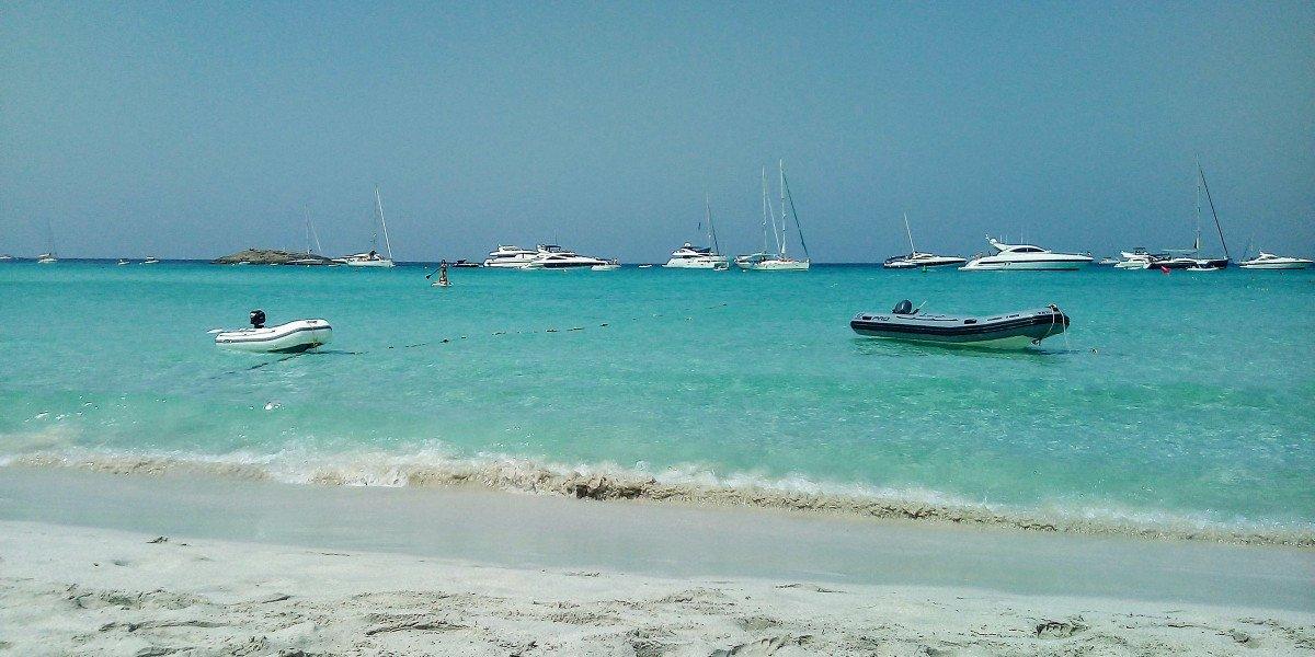 Semana de navegación por Ibiza y Formentera: el paraíso a 80 millas