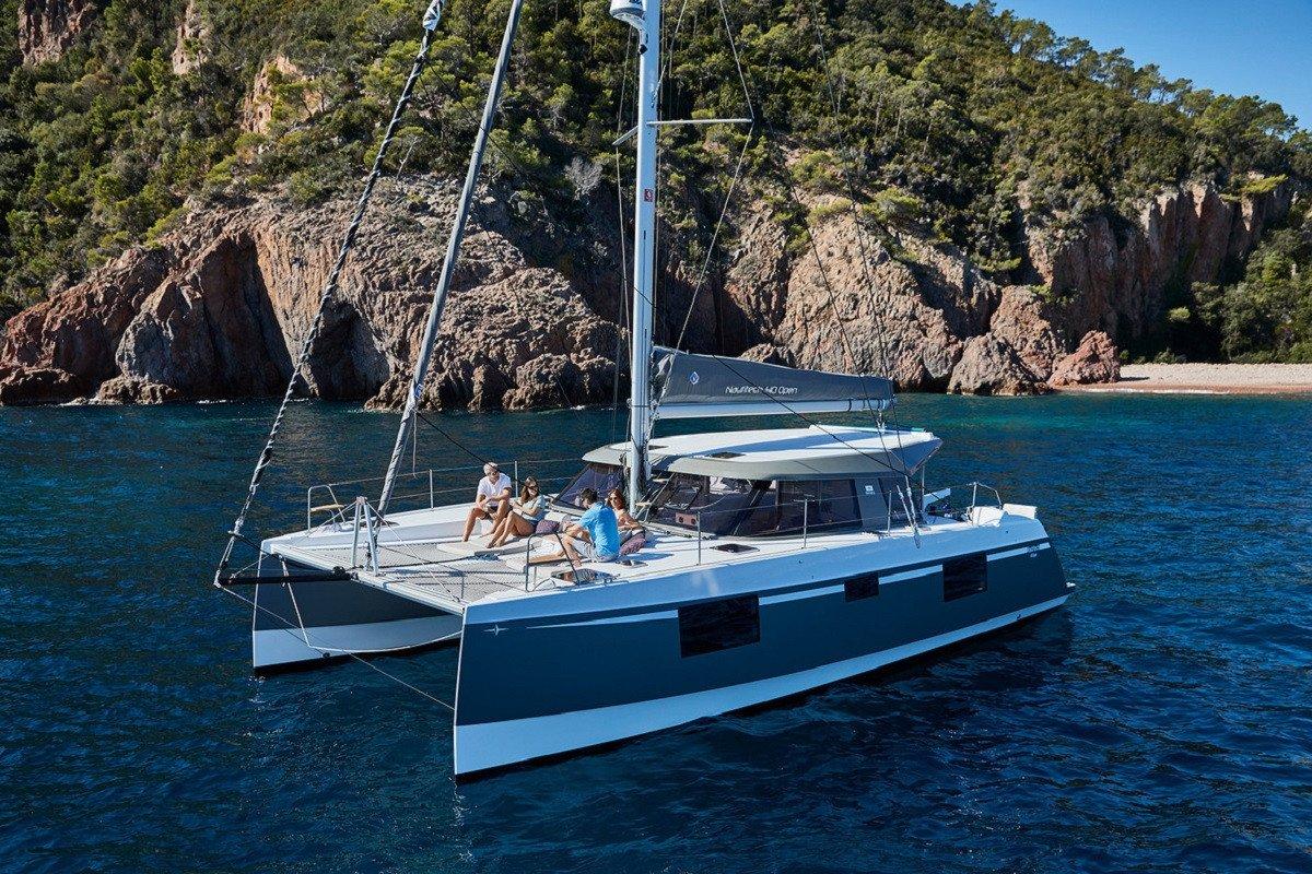 Excursión en catamarán por Barcelona