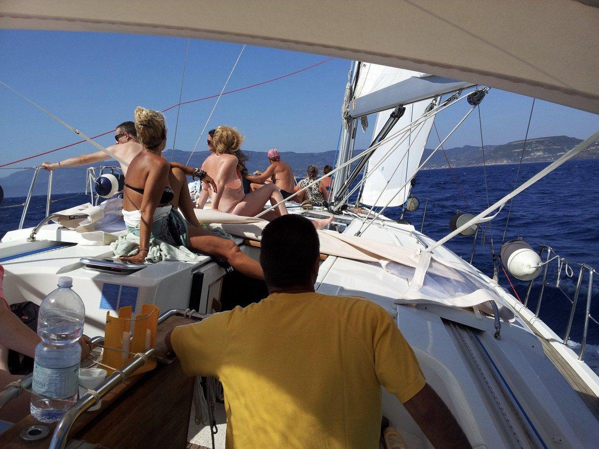 Escursione giornaliera in barca a vela a Bosa (Sardegna)