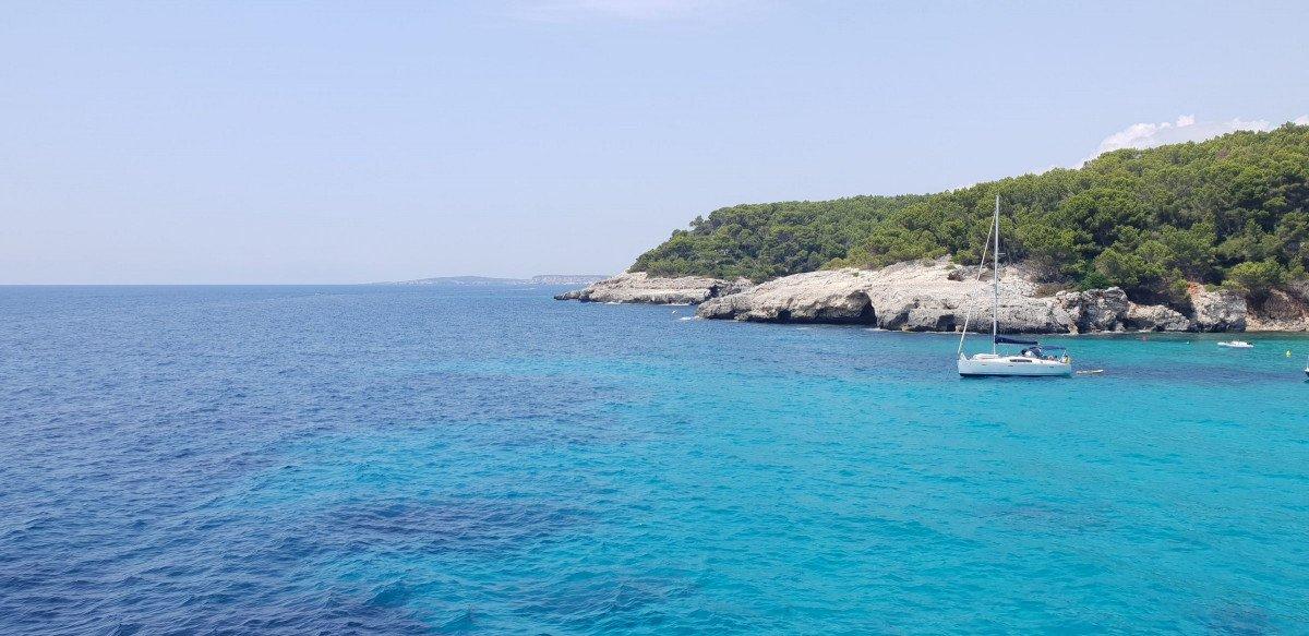 Navega 7 días por Ibiza desde Barcelona