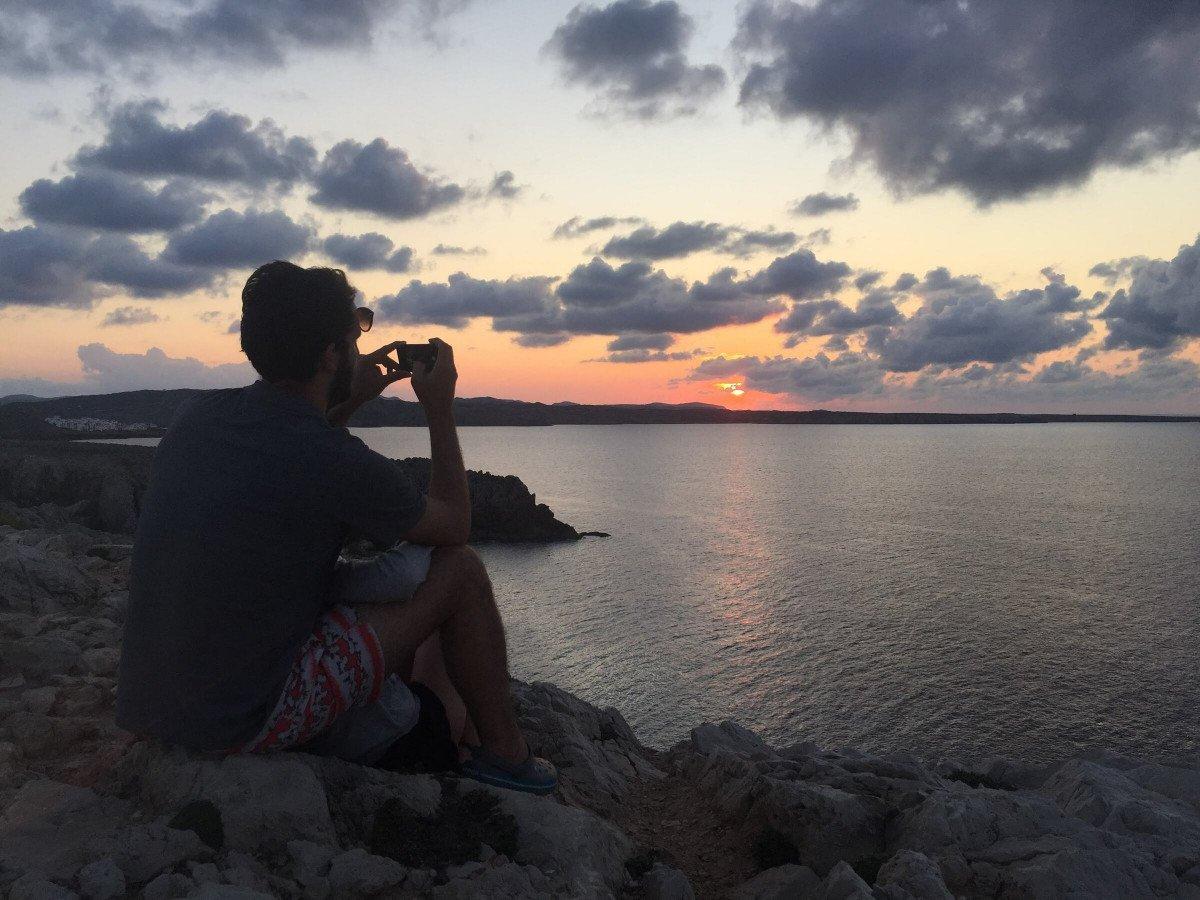 Descubre la costa de Menorca por mar y por los senderos de Camí de Cavalls