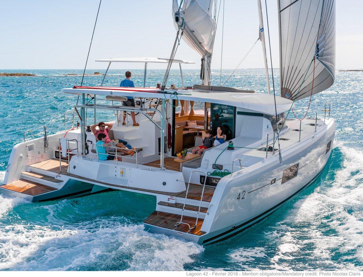 Catamarán nuevo para disfrutar de los tesoros de las Rías Baixas de Galicia