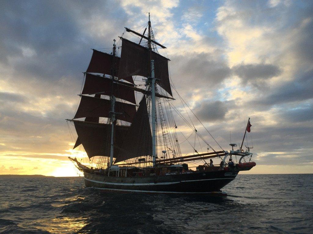 ¡Cruzando el Atlántico bajo las velas! De Bermudas a las Azores