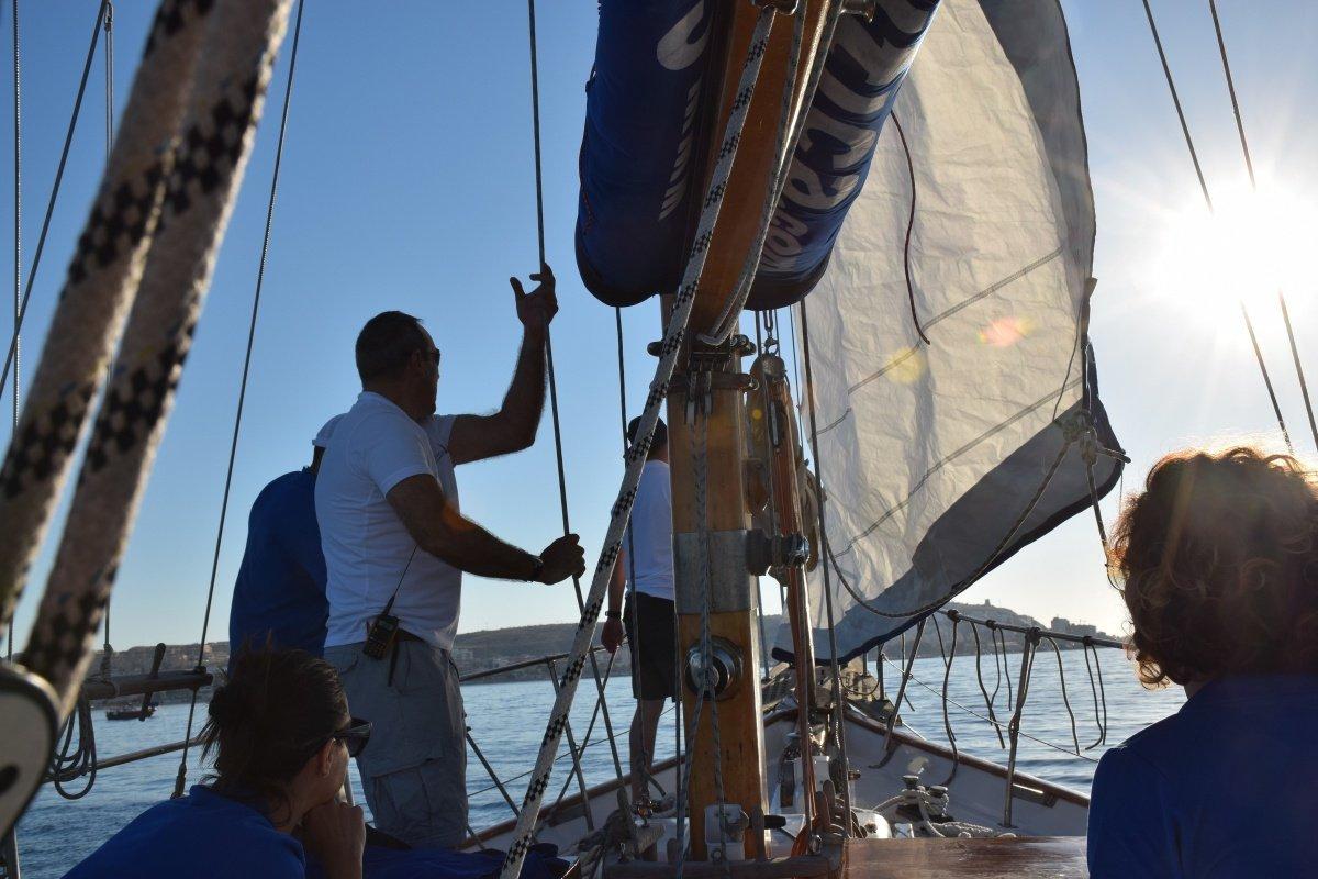 Dos días navegando a vela por la costa alicantina