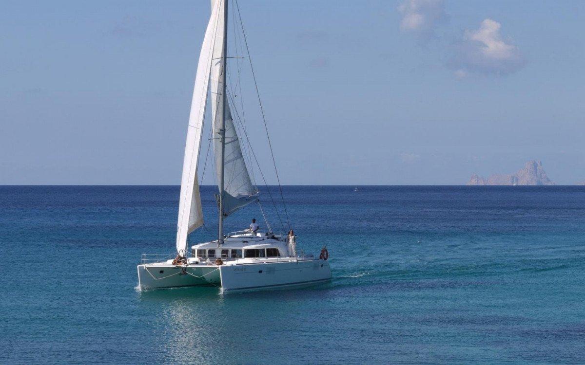 Descubre en catamarán Cerdeña, Spargi y Cavallo