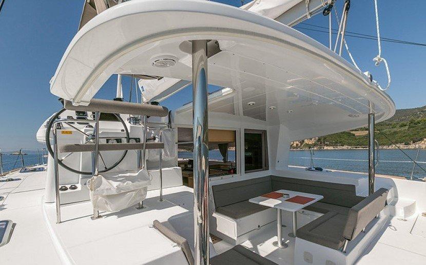 Alquiler de catamarán Lagoon 400 S2 en Ibiza