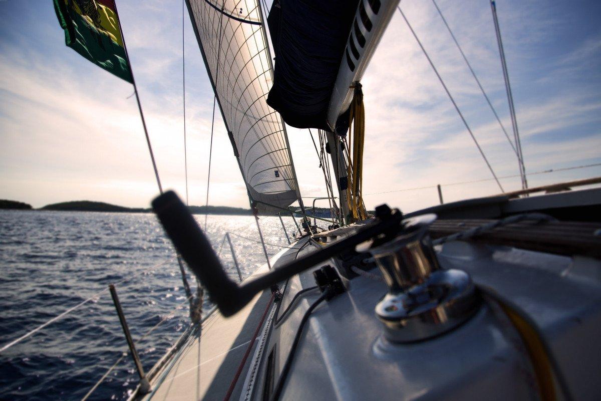 Semana a bordo en Baleares desde Barcelona. Tu primera experiencia como patrón.