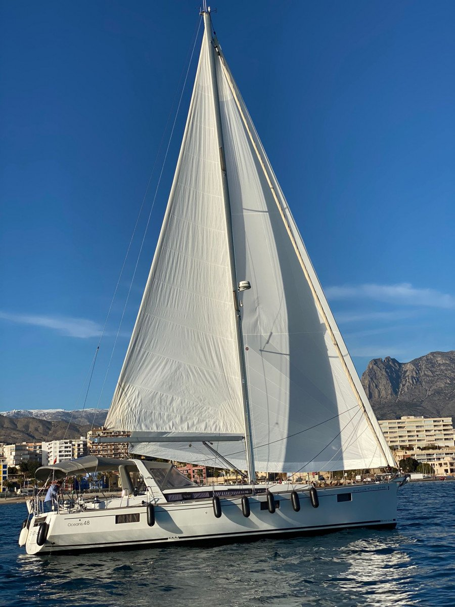 Alquiler de velero media jornada por Vila Joiosa