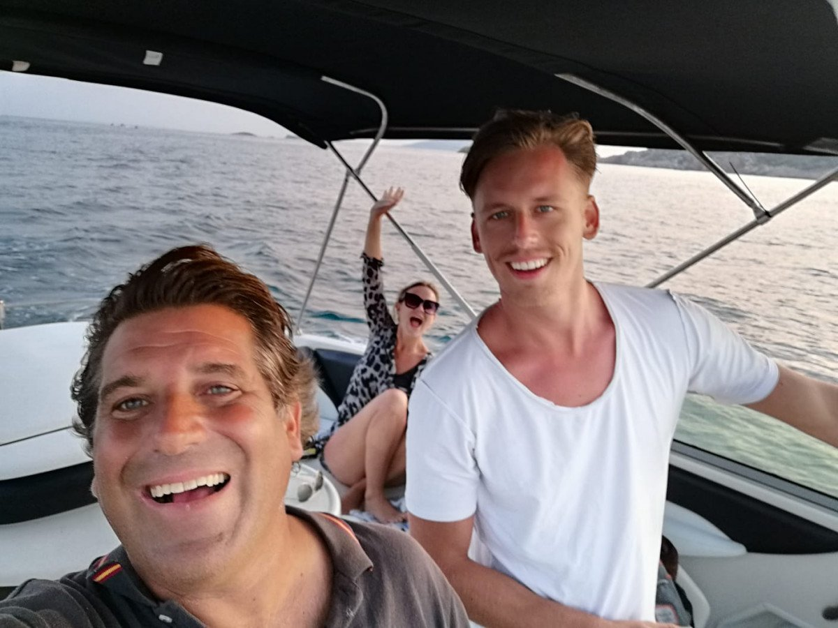 ¡Disfruta de un día en barco por las mejores calas de Ibiza y Formentera!