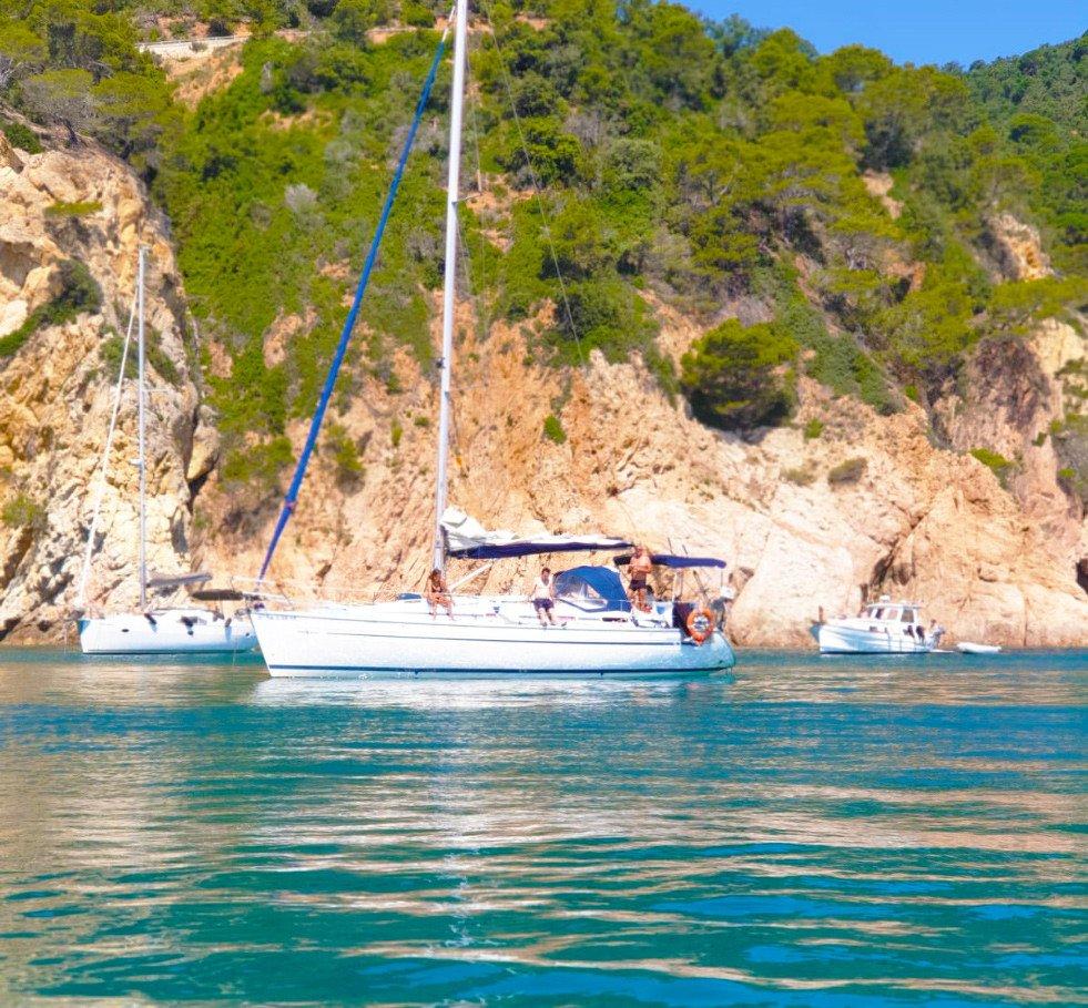Viaje en velero desde Castellón a Barcelona durante una semana