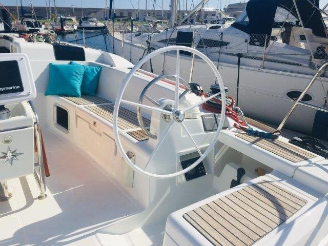 Alquiler semanal de velero en Valencia con patrón