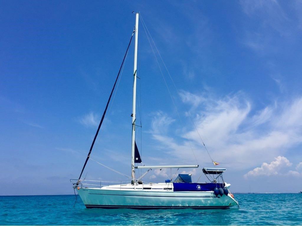 Aprende a navegar a vela divirtiéndote en Burriana