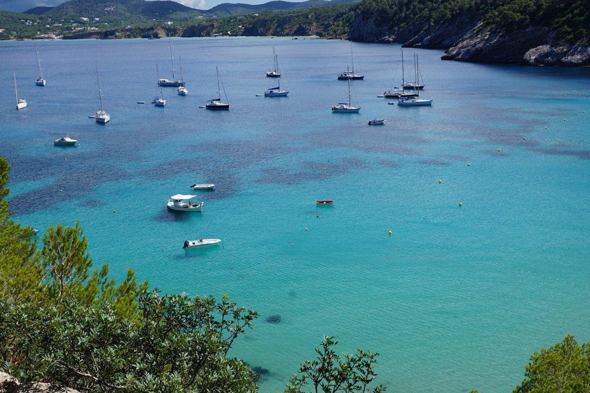 Alquiler de una semana en velero por Ibiza y Formentera