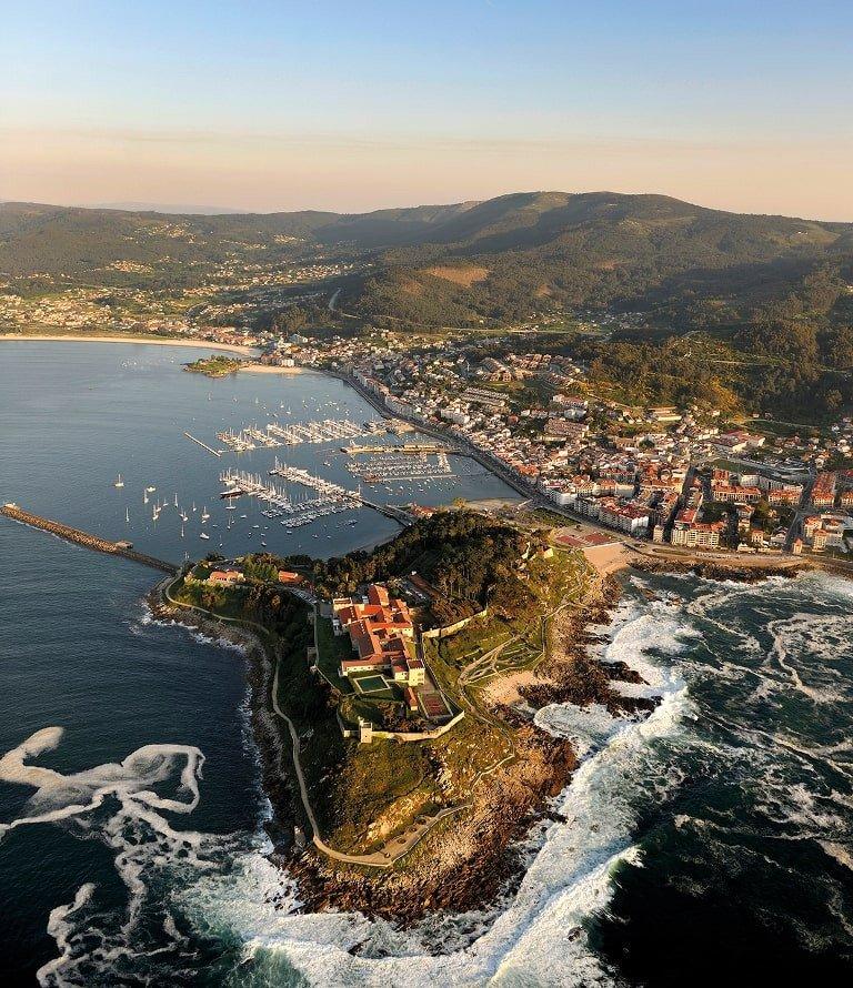 Disfruta de un día de navegación por las Rías Bajas de Galicia