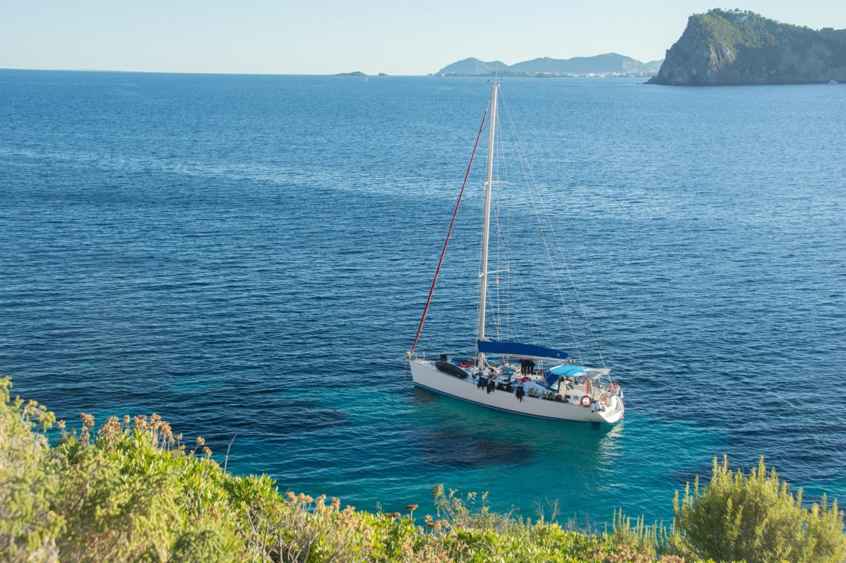 Vida a bordo de buceo en Ibiza, Formentera, Columbretes durante una semana