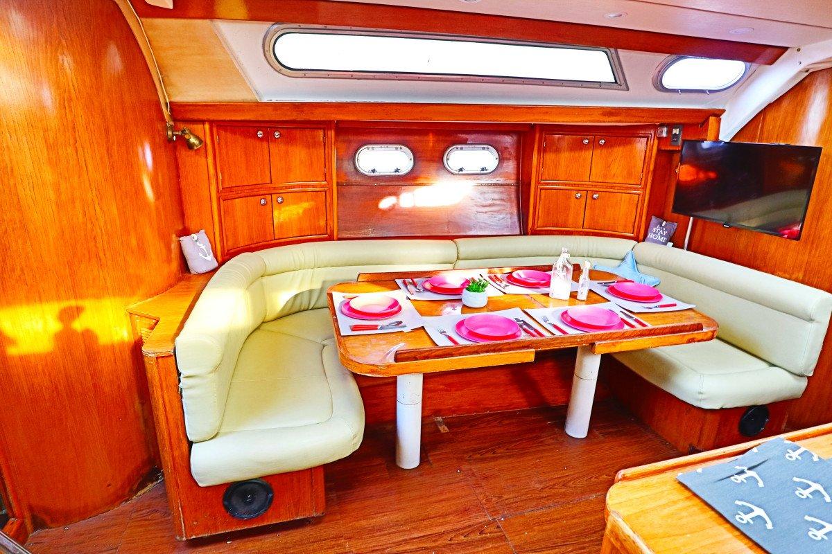 Salida en Velero y cena a bordo