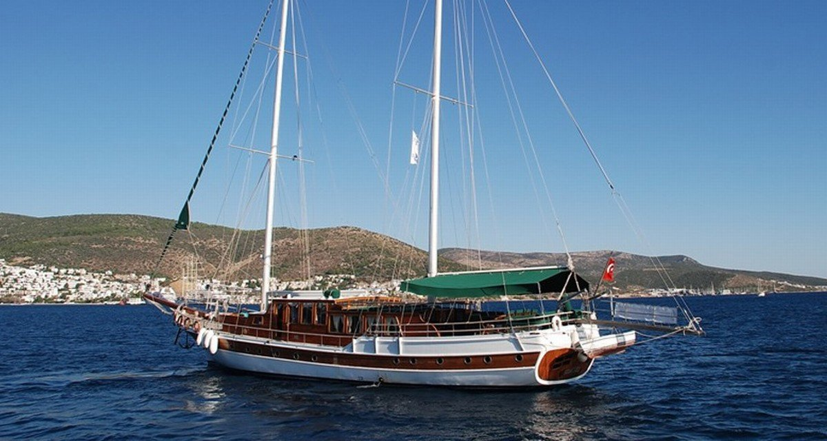 Corfu Ionian Sightseeing & Relaxation Yacht Cabin Charter