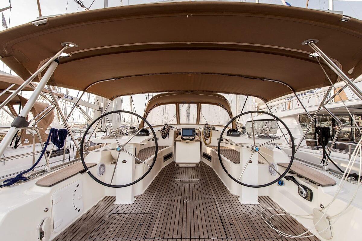Day Charter en velero Bavaria 45 - Barcelona