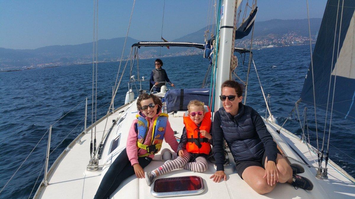 Navega durante una semana por las Rías Baixas en Galicia
