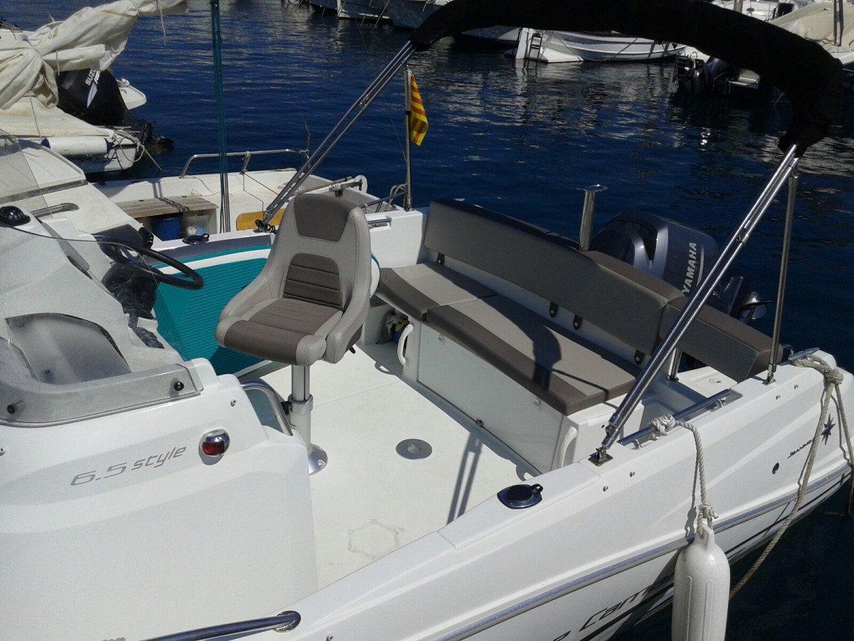 Aperitivo relajante a bordo en Palamós