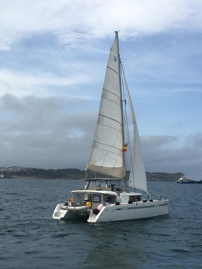 Puesta de sol en catamarán por la bahía de Santander