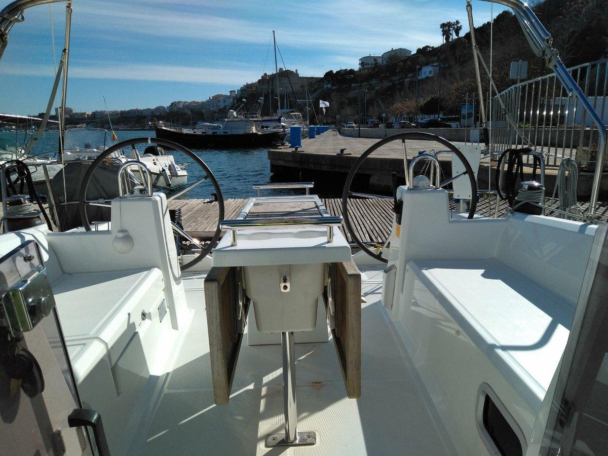 Alquiler de Bénéteau Oceanis 35 en Menorca