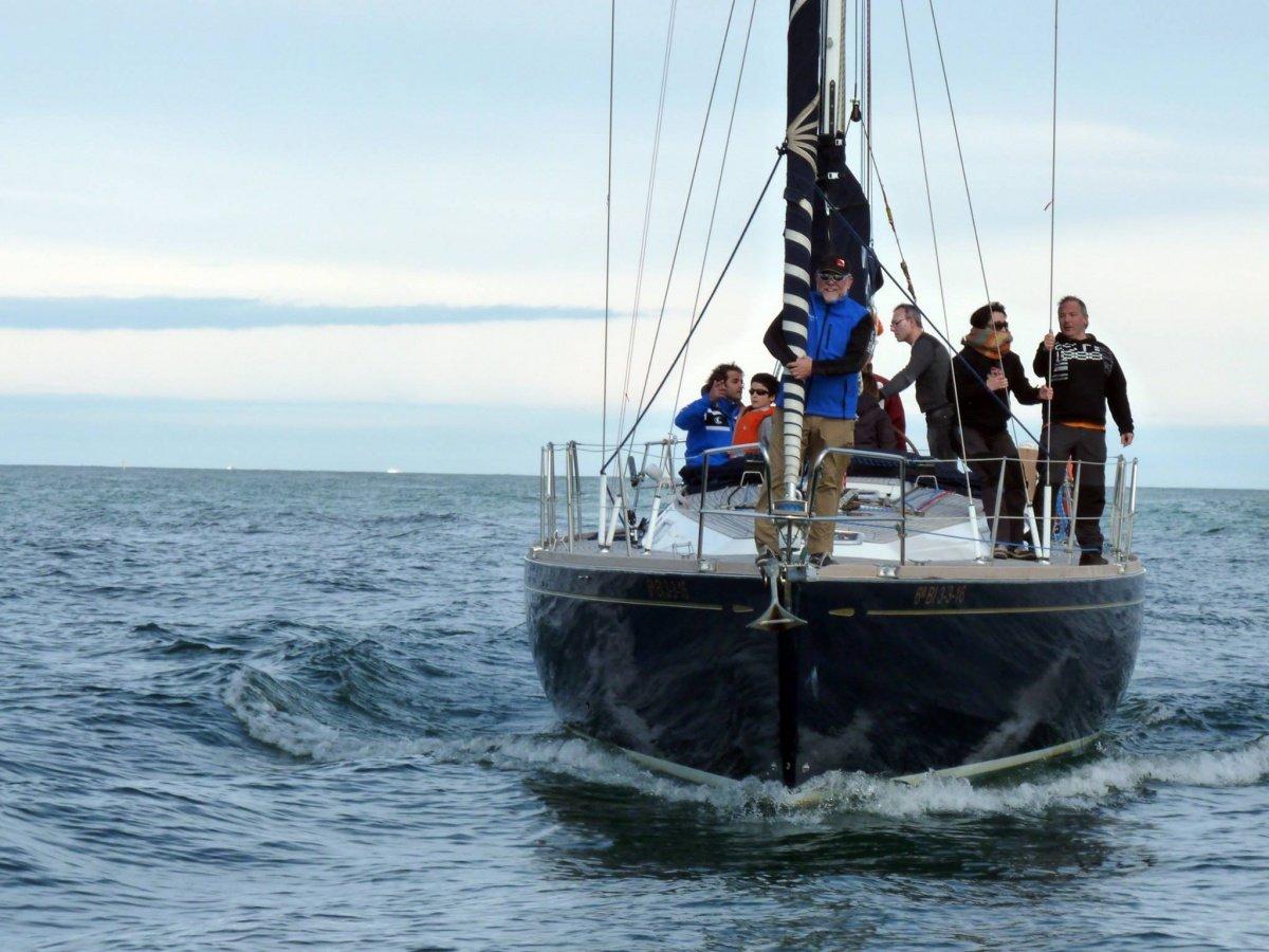 Travesía costera de 90 millas desde Gijón a Santander