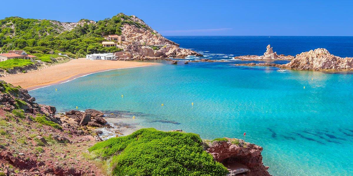 Semana en velero y yoga a Menorca y Mallorca desde Barcelona