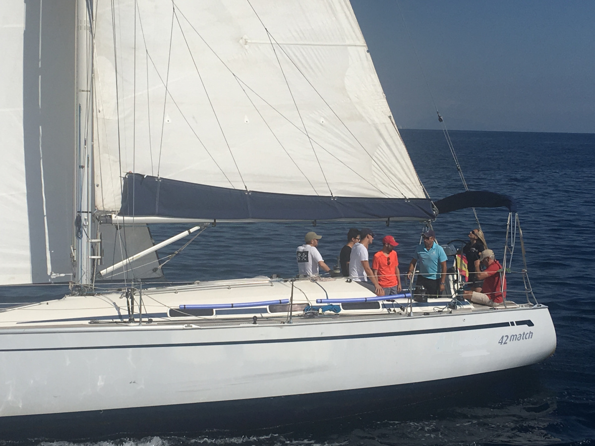 Curso de vela crucero y regata en Castellón