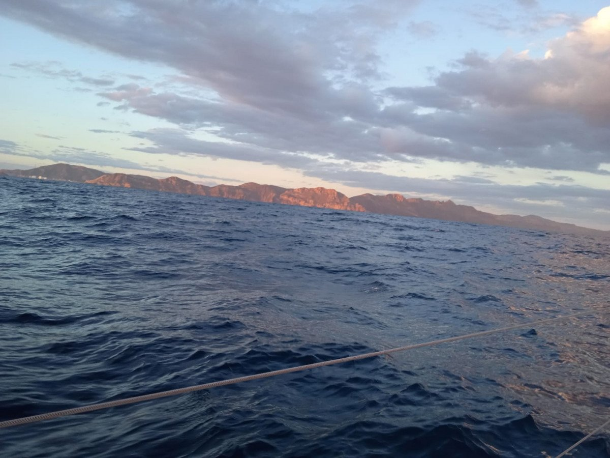 Navegación a vela y merienda por la Costa de Murcia