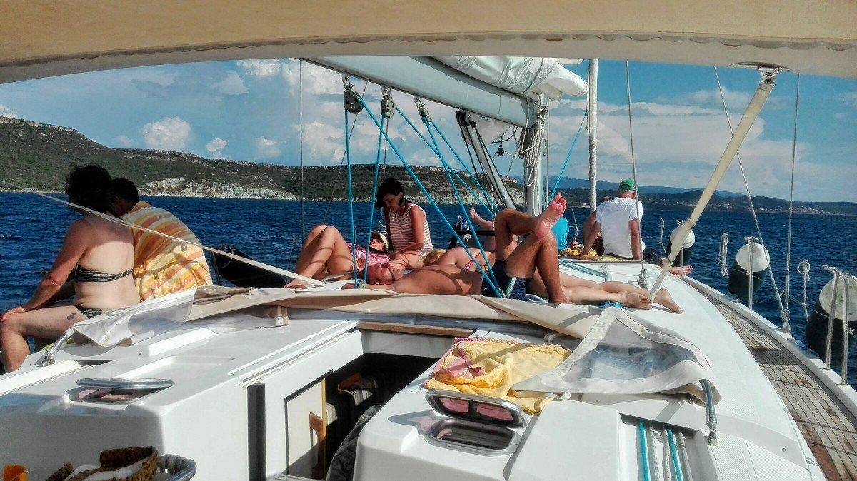 Excursión en velero por Bosa (Cerdeña)