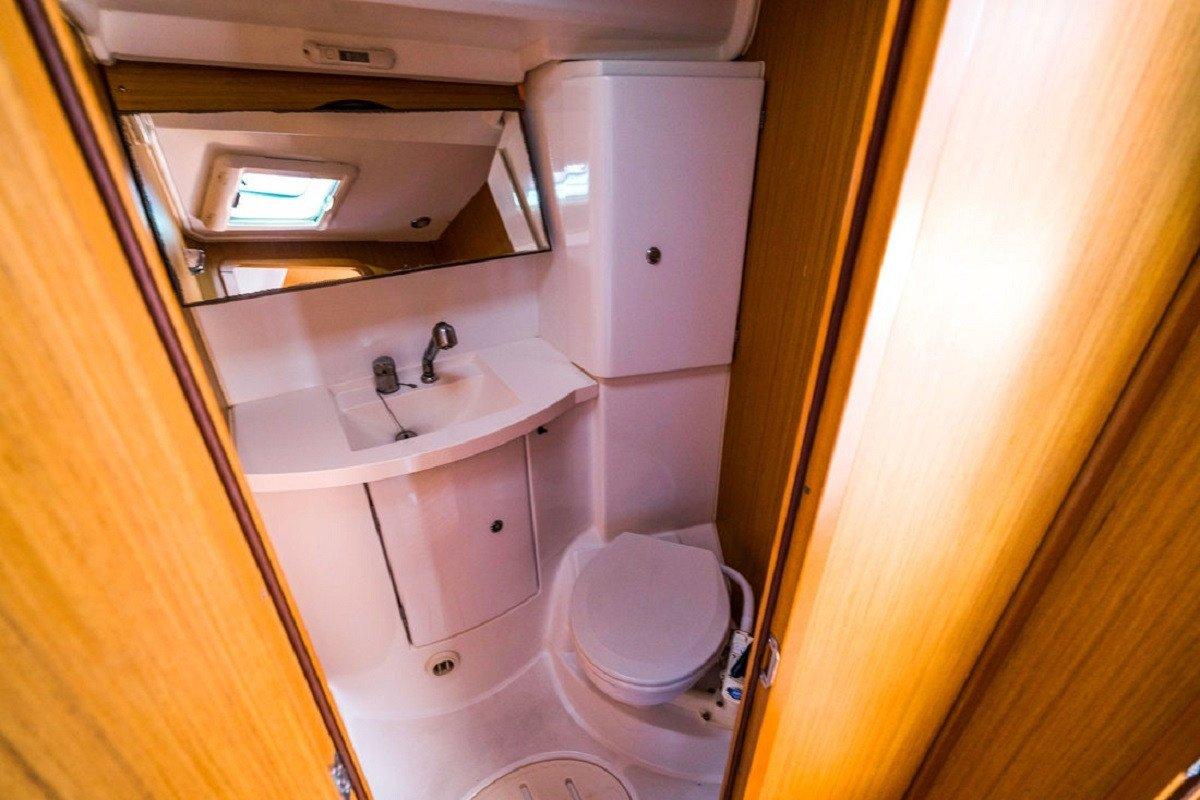 Alquiler de velero Jeanneau Sun Odyssey 42i durante una semana - Barcelona