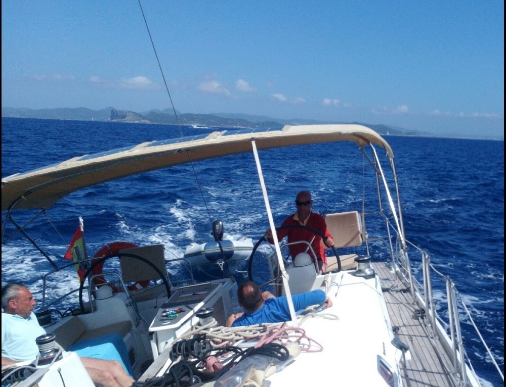 Alquiler de velero en Ibiza durante un día