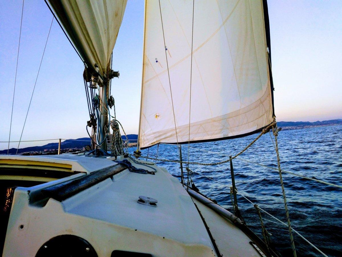 Navegación a vela en Badalona