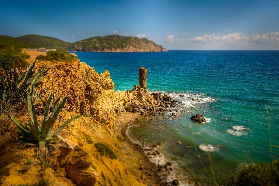 Travesía Valencia - Ibiza durante 5 días en el puente de Mayo